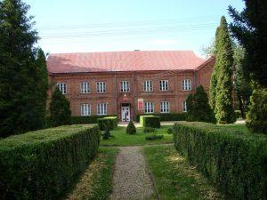 Szkoła w Sobieszynie